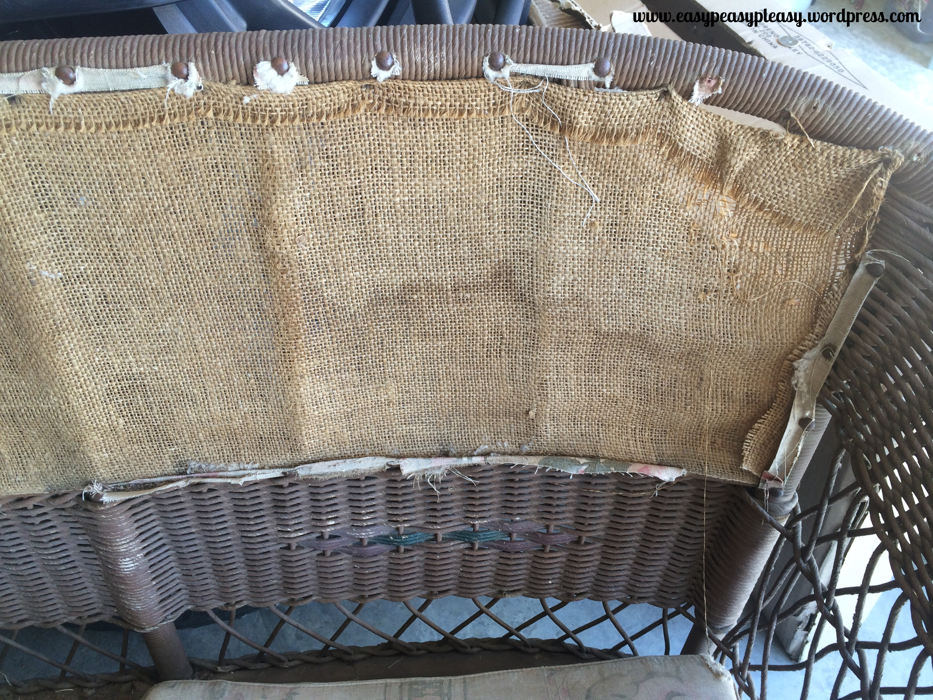 How to restore an old wicker Davenport